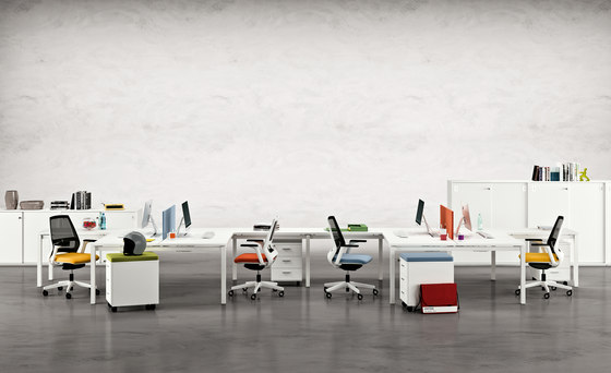 X4 by Quadrifoglio Group | Table dividers