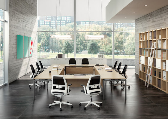 Oxygen by Quadrifoglio Group | Contract tables