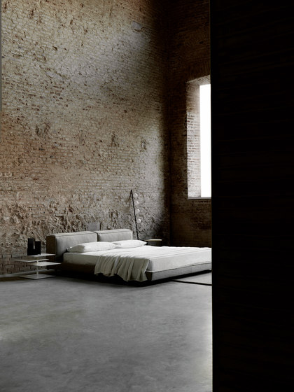 NeoWall Bed de Living Divani | Lits