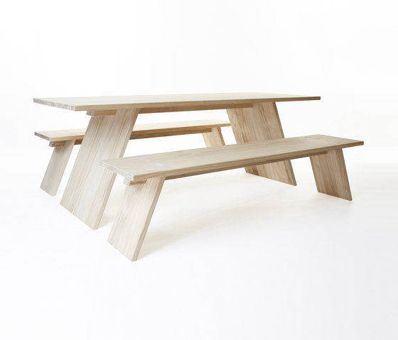 Puzzle table 2000 | bench 1800 di Shaping Objects Scandinavia | Tavoli e panche