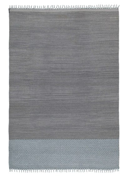 Mustache SA—02 Charcoal by Kristalia | Outdoor rugs