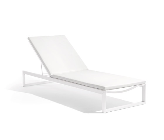 Liner lounger by Manutti | Sun loungers