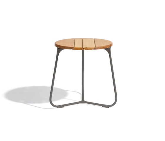 Mood Coffee Table 42 by Manutti | Side tables