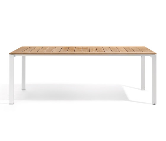 Trento dining table by Manutti | Dining tables