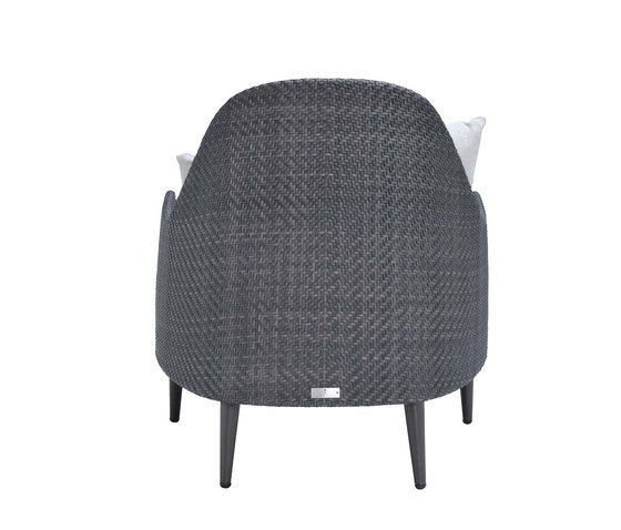 KATACHI LOW BACK LOUNGE CHAIR di JANUS et Cie | Poltrone