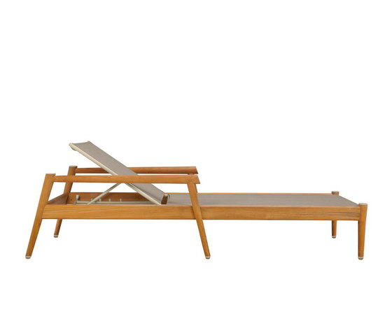 KONOS CHAISE LOUNGE WITH ARMS by JANUS et Cie | Sun loungers