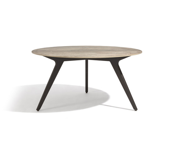 Torsa dining table ⌀148 by Manutti | Dining tables