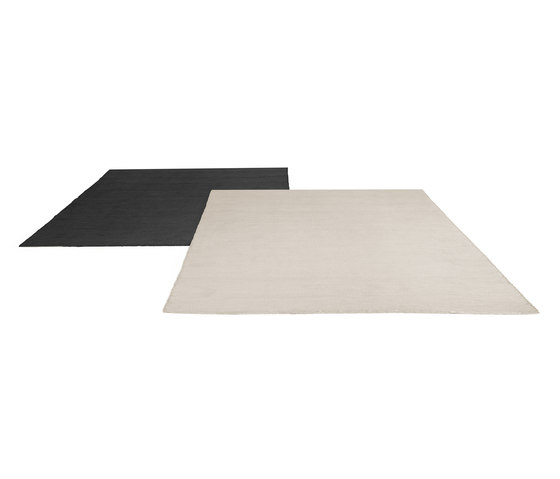 Linear outdoor rug by Manutti | Outdoor rugs