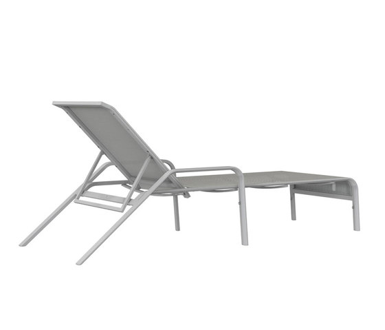 ZEPHYR CHAISE LOUNGE WITH ARMS di JANUS et Cie | Lettini giardino