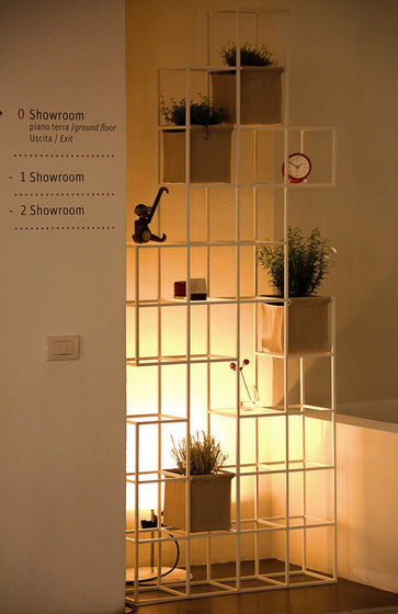 iPot Ad Hoc by ipot | Display stands
