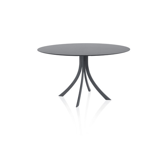 Falcata Outdoor round dining table by Expormim | Dining tables
