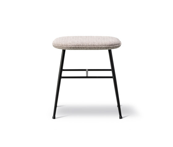 Spine Stool Low Metal base by Fredericia Furniture | Poufs