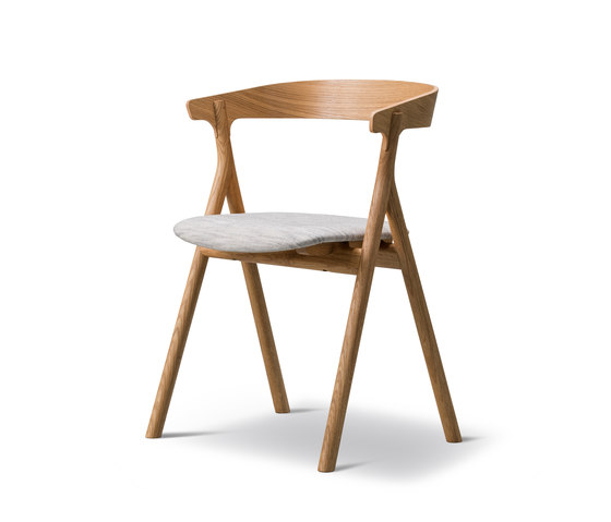 Yksi Chair by Fredericia Furniture | Chairs
