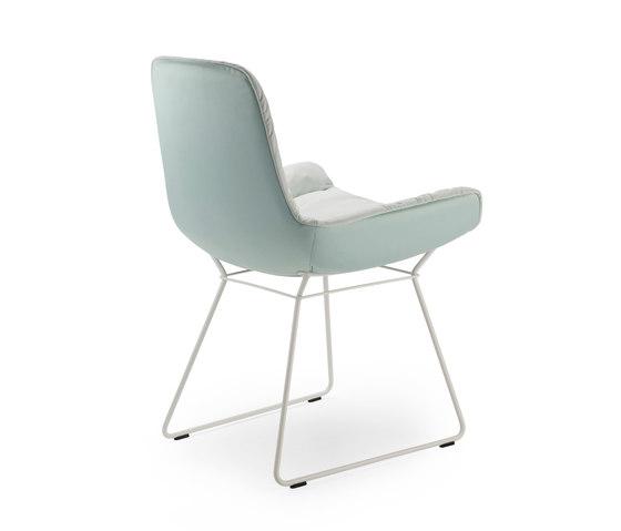 Leya | Armchair Low with wire frame by FREIFRAU MANUFAKTUR | Chairs