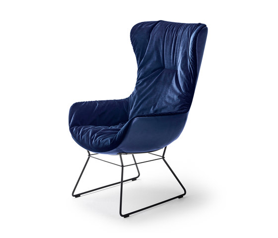 Leya |  Wingback Chair with wire frame by Freifrau Sitzmöbelmanufaktur | Armchairs