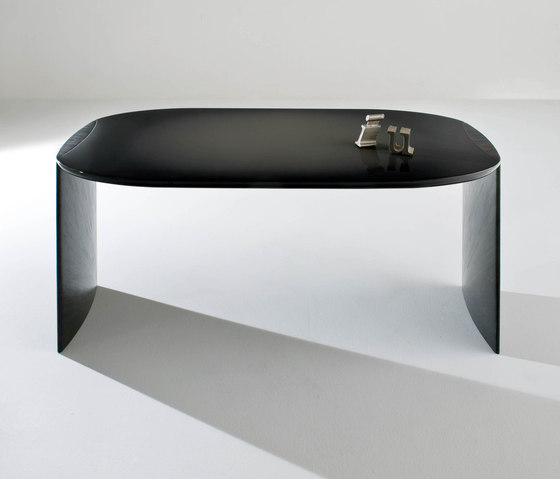 Poe by Laurameroni | Contract tables