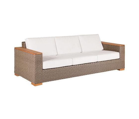 Kona Deep Seating Sofa de Kingsley Bate   Sofás