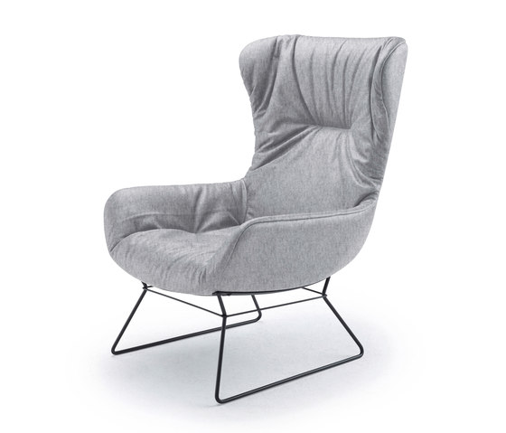 Leya | Wingback Chair with wire frame de Freifrau Sitzmöbelmanufaktur | Sillones