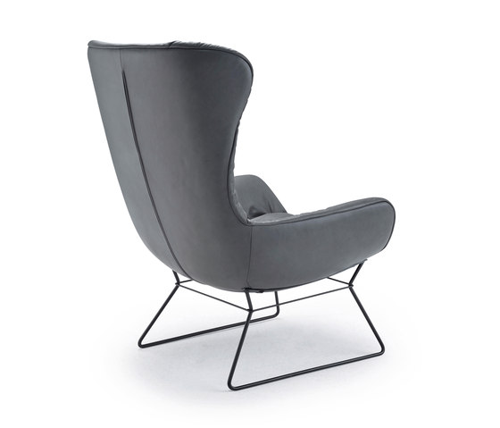 Leya | Wingback Chair with wire frame de FREIFRAU MANUFAKTUR | Fauteuils