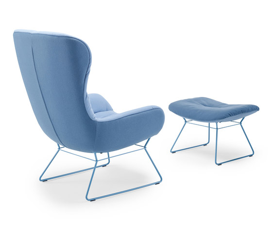 Leya | Wingback Chair mit Drahtgestell & Ottoman von FREIFRAU MANUFAKTUR | Sessel