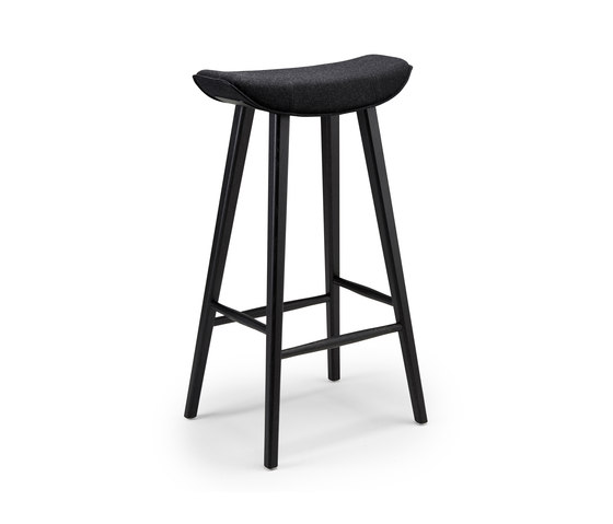 Kya | Barstool mit Holzgestell von Freifrau Sitzmöbelmanufaktur | Barhocker