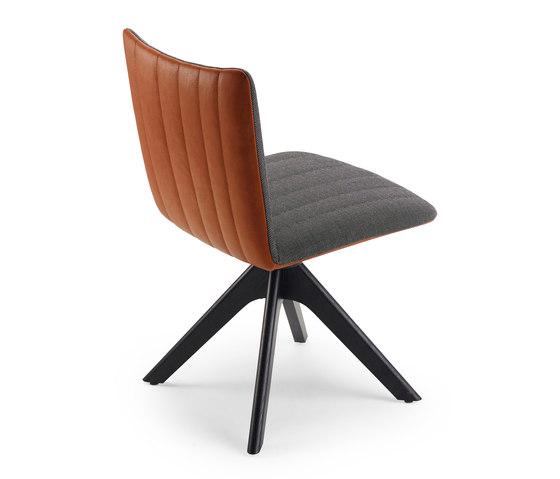 Rubie | Chair mit Holzstativgestell von FREIFRAU MANUFAKTUR | Stühle