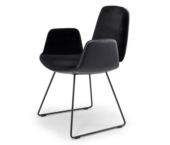 Tilda | Armchair mit Kufengestell von Freifrau Sitzmöbelmanufaktur | Stühle