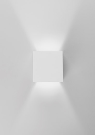 Prime di GROK | Lampade parete