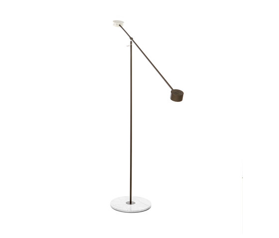 T Lamp by moooi | Free-standing lights