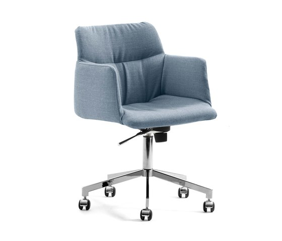 Haddoc Oyster von Johanson Design | Stühle