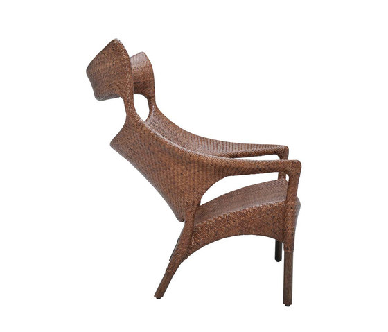 AMARI RATTAN HIGH BACK LOUNGE CHAIR de JANUS et Cie | Sillones