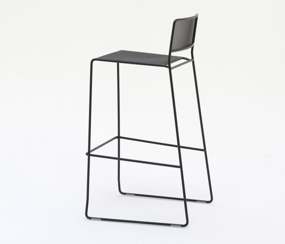 Log Mesh ST by Arrmet srl | Bar stools