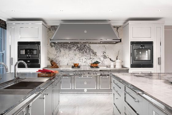 Silver Grey kitchen by Officine Gullo | Fitted kitchens