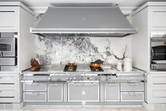 SILVER GREY & POLISHED CHROME KITCHEN by Officine Gullo | Fitted kitchens