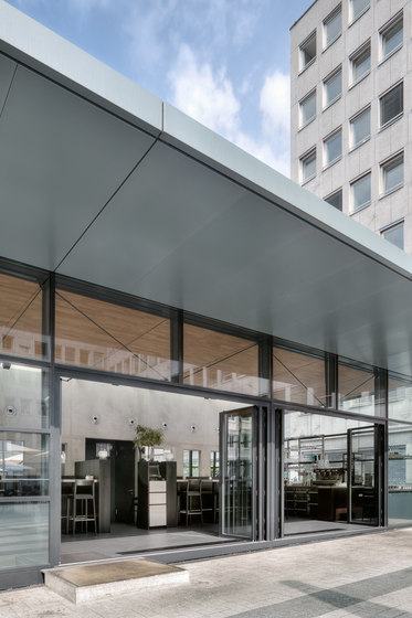 Bi-Fold Door | Highline by Solarlux | Window types