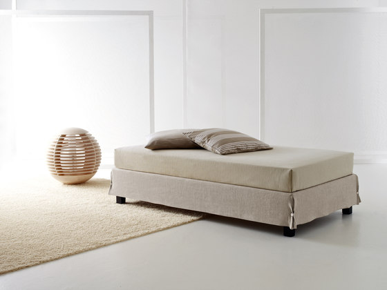 Sommier White by CASAMANIA & HORM | Beds