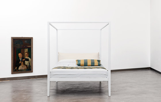Moheli Baldacchino by CASAMANIA & HORM | Beds