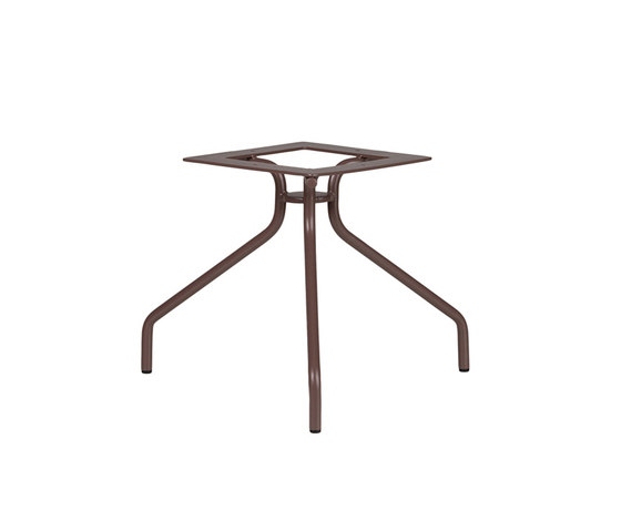 Weave BASE COFEE TABLE 3 LEGS by Point | Trestles