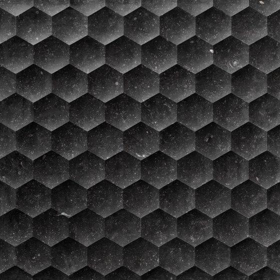 Le Pietre Incise | Favo von Lithos Design | Naturstein Platten