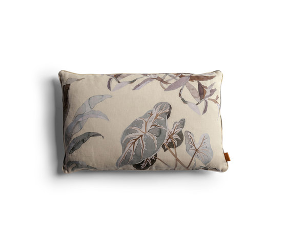 Decorative Cushions by Poltrona Frau   Cushions