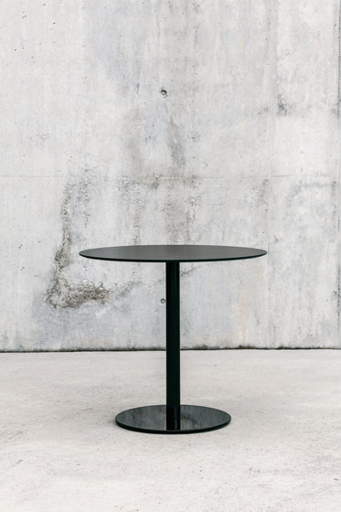 Punto Table by ENEA   Dining tables