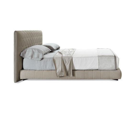 Curtis by Minotti | Beds