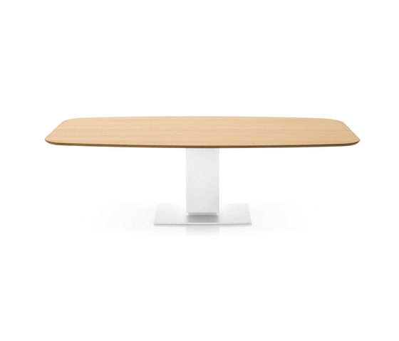 Echo by Calligaris   Dining tables