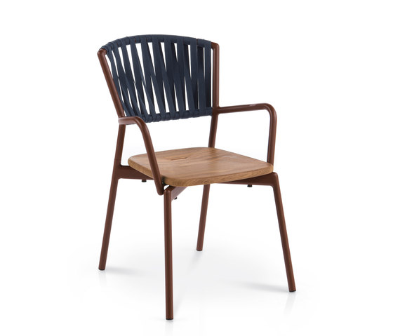PIPER 121 armchair by Roda | Chairs