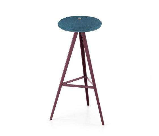 Aky Stool met 0122 h78 by Trabà | Bar stools