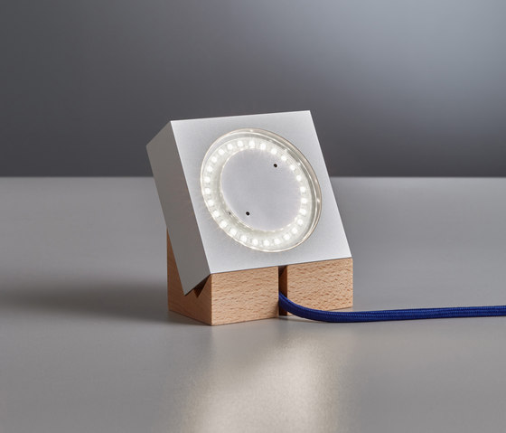 "MLON12 ""Square"" table lamp de Tecnolumen | Lámparas de sobremesa"