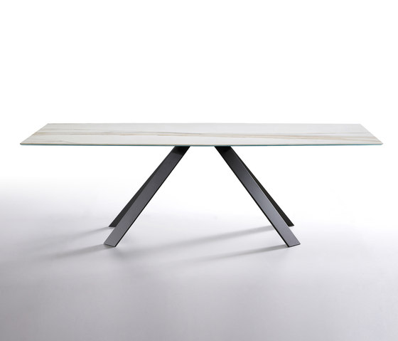Ki by Ronda design | Dining tables