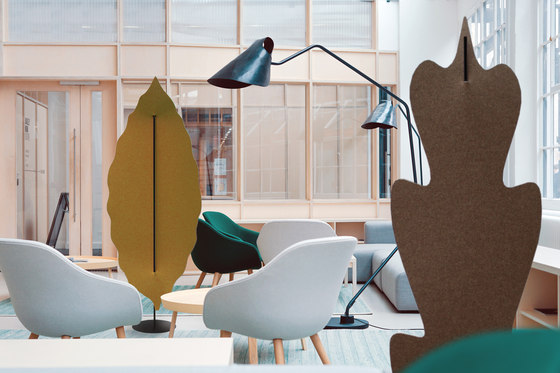 DAPHNE | Freestanding acoustic totem by Slalom | Sound absorbing freestanding systems