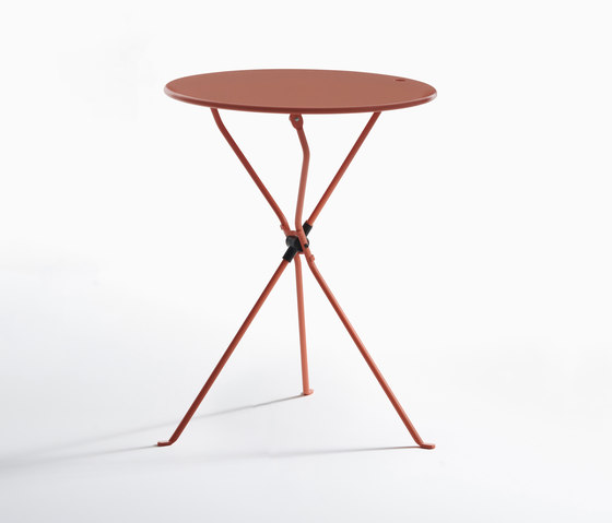 Cumano | 630 by Zanotta | Side tables