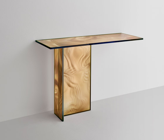 Liquefy by Glas Italia | Console tables